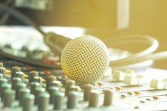 Microfone análogo imagens de stock royalty free