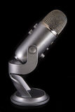 Microfone de condensador azul do Podcast do abominável homem das neves Foto de Stock Royalty Free