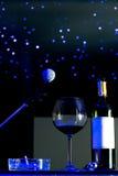 Microfone e um vidro do vinho Fotografia de Stock