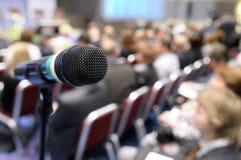 Microfone na conferência. fotos de stock royalty free
