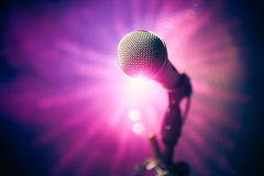 Microfone na fase imagem de stock royalty free