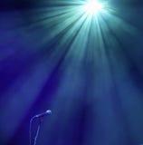 Microfone no azul Foto de Stock Royalty Free