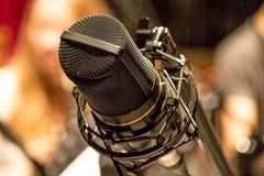 Microfone profissional velho fotografia de stock royalty free