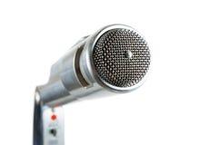 Microfono d'argento dell'annata su bianco. Fotografia Stock Libera da Diritti