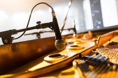 Microfono del piano fotografie stock