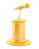 Microfono dell'oro sul basamento Fotografie Stock