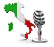 Microfono e l'Italia (percorso di ritaglio incluso) Fotografia Stock Libera da Diritti