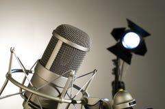 Microfono in studio. Fotografia Stock