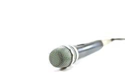 Microfono su un fondo bianco fotografia stock libera da diritti