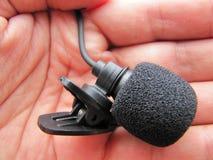 Microfoon in de hand Royalty-vrije Stock Afbeelding