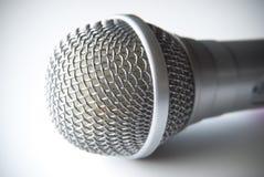 Microfoon op witte Achtergrond Royalty-vrije Stock Afbeeldingen