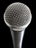 Microfoon over zwarte Stock Foto's