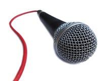Microfoon voor vocaal met rode kabel Stock Fotografie