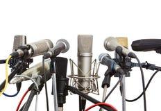 Microfoons op conferentievergadering die worden voorbereid. Stock Foto