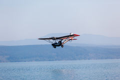 Microlight Aircraft Low Flying Water Royalty Free Stock Photography
