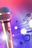 Microphone d'illustration avec les lumières rouges et bleues verticales Photographie stock