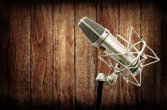 Microphone dans le studio Image stock