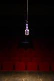 Microphone dans les lumières d'étape Photo libre de droits