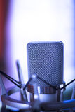 Microphone de commentaire de studio Image stock