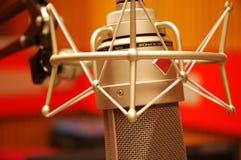 Microphone de studio et suite d'édition Images libres de droits