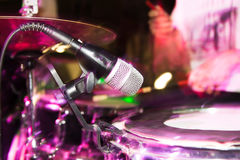 Microphone on the drums in the rock band Royalty Free Stock Photos
