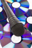 Microphone et Cd noirs image stock