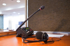 Microphone et standard images libres de droits