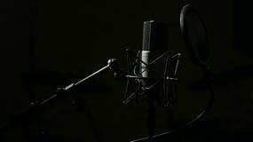 Microphone professionnel dans le studio Images libres de droits
