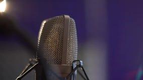 Microphone professionnel de studio de condensateur, concept musical banque de vidéos