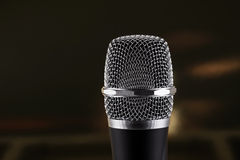 Microphone sans fil sur le fond noir Photographie stock libre de droits