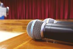 Microphone sur le Tableau Photo libre de droits