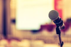 Free Microphone Voice Speaker In Business Seminar, Speech Presentation, Town Hall Meeting, Lecture Hall Or Conference Room In Corporate Royalty Free Stock Photo - 199948575