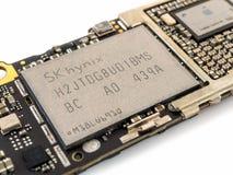 Microplaqueta de IC do flash do NAND do iPhone 6 de Apple Fotos de Stock Royalty Free