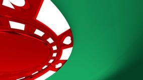 A microplaqueta de pôquer vermelha em uma tabela verde 3d rende Foto de Stock Royalty Free