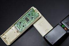 Microplaqueta e de controle remoto Fotos de Stock Royalty Free