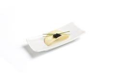 Microplaqueta preta do caviar e de batata fotos de stock royalty free