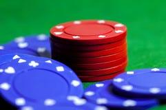 Microplaquetas 2 azuis e do vermelho Foto de Stock