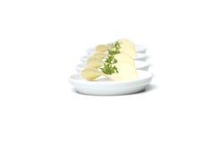 Microplaquetas de batata com ervas imagem de stock royalty free