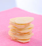 Microplaquetas de batata crua Imagem de Stock
