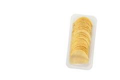 Microplaquetas de batata isoladas no branco Imagem de Stock Royalty Free