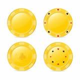 Microplaquetas de jogo douradas ajustadas com ternos Coração, diamante, pá, clube Microplaquetas realísticas Foto de Stock