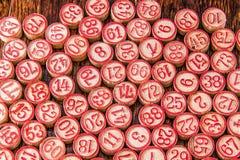 Microplaquetas de madeira do número do Bingo Imagem de Stock Royalty Free