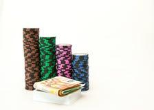 Microplaquetas do casino com Euro fotos de stock royalty free