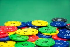 Microplaquetas do póquer e cartões do póquer Fotos de Stock Royalty Free
