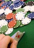 Microplaquetas e ás de jogo fotos de stock