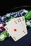 Microplaquetas e ás de póquer do casino Foto de Stock Royalty Free