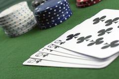 Microplaquetas e cartões de jogo Fotografia de Stock Royalty Free