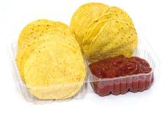 Microplaquetas e salsa de milho Imagens de Stock
