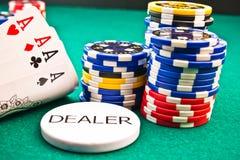 Microplaquetas póquer e ás do póquer Foto de Stock