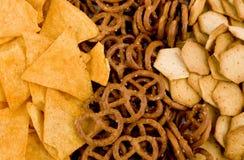 Microplaquetas, pretzeis e biscoitos de Tortilla Foto de Stock Royalty Free
